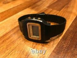 Blade Runner three-button PVD (black) Microma lcd vintage watch